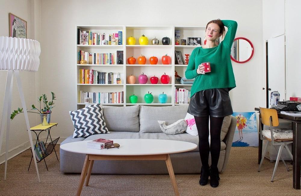 julie paris 1er inside closet. Black Bedroom Furniture Sets. Home Design Ideas