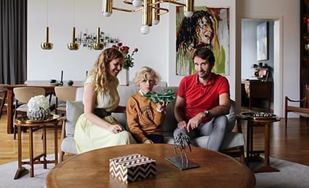 inside-closet-les-familles-xavier-coline-berlin1.jpg