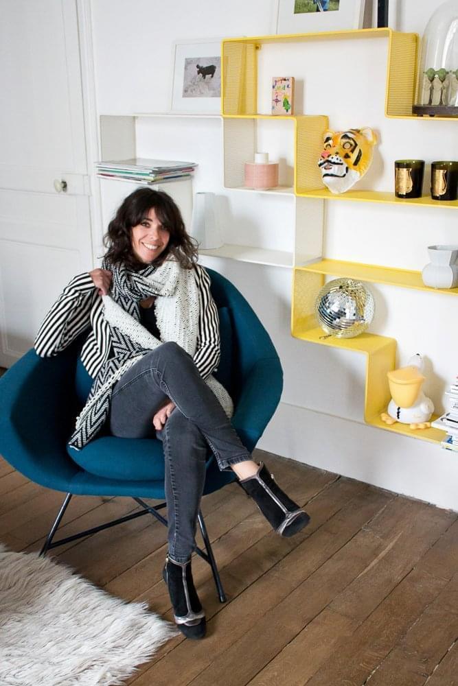 doroth e boulogne inside closet. Black Bedroom Furniture Sets. Home Design Ideas
