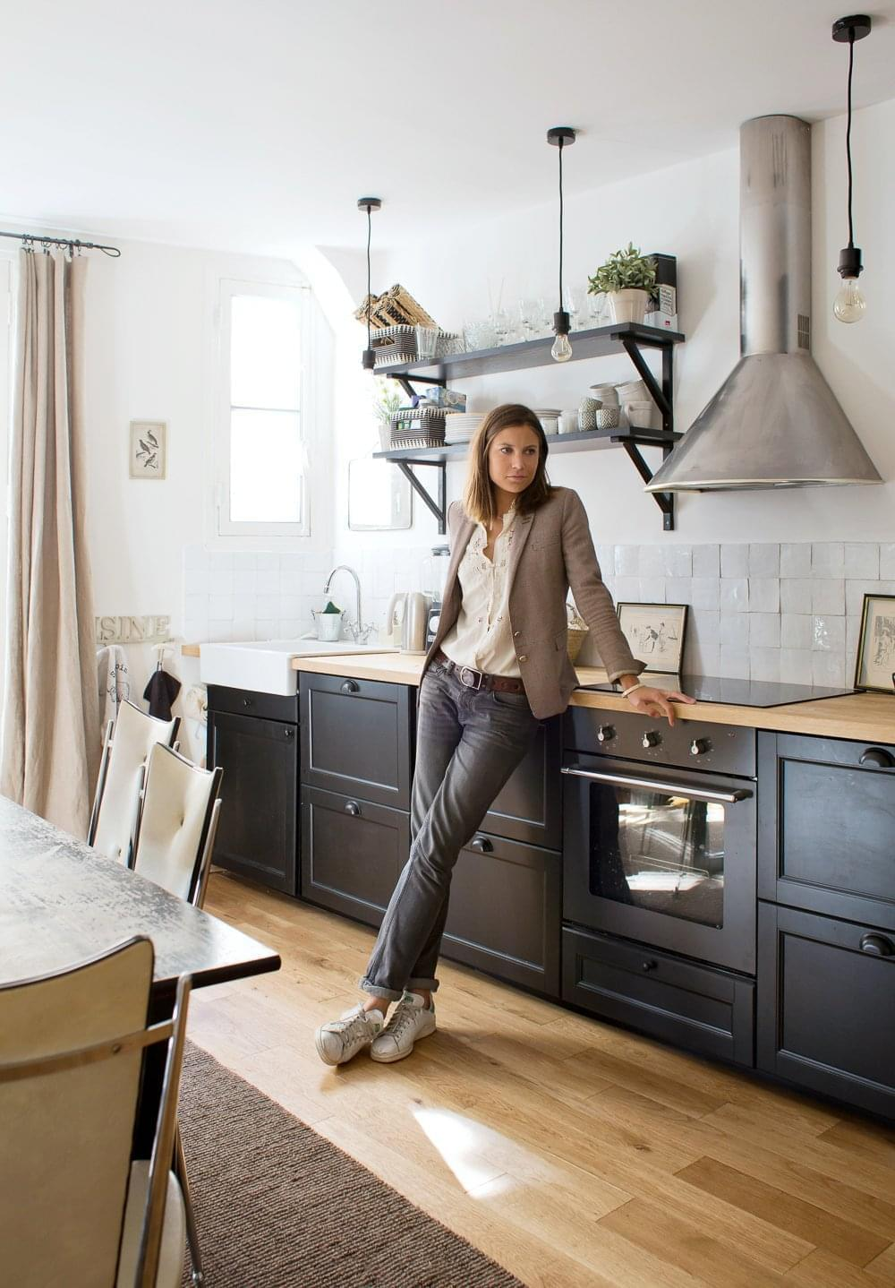 laure paris 18 me inside closet. Black Bedroom Furniture Sets. Home Design Ideas