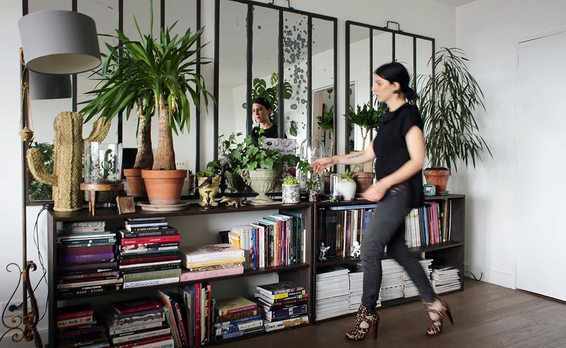 ludivine paris 20 me inside closet. Black Bedroom Furniture Sets. Home Design Ideas